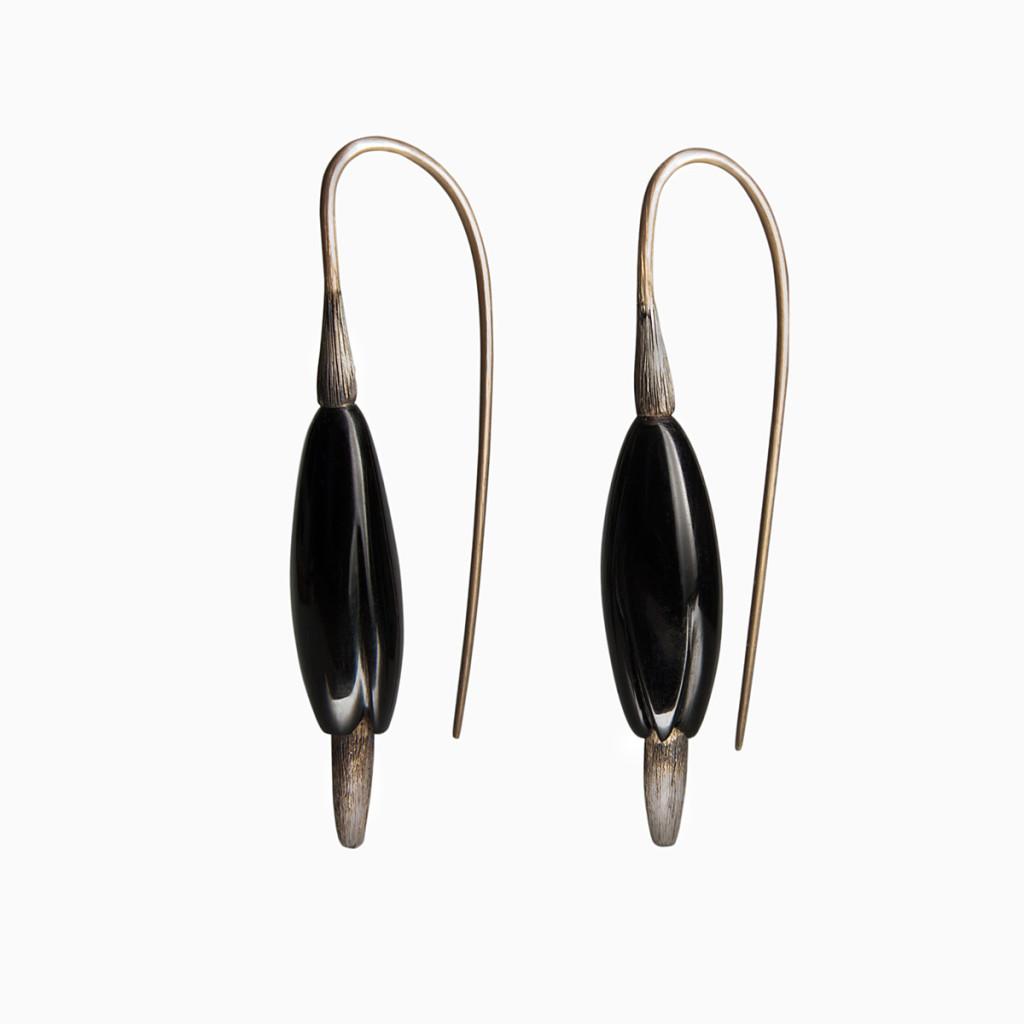 Earrings / Gold, Jet Stone